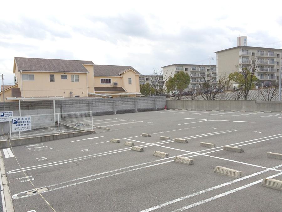 parking02w900
